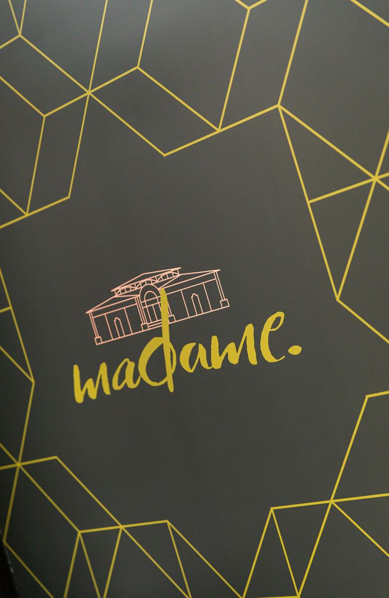 madame-restaurant-rouen-1-mur-780x1200