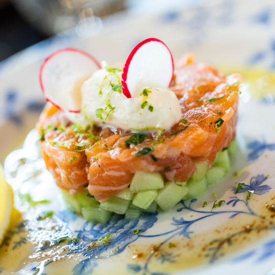 madame-restaurant-rouen-24-tartare-saumon-550x550